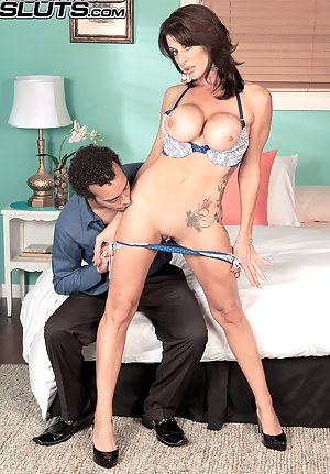 XXX MILF Legs Galleries