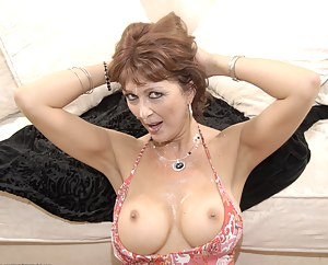 XXX MILF Face Fuck Galleries