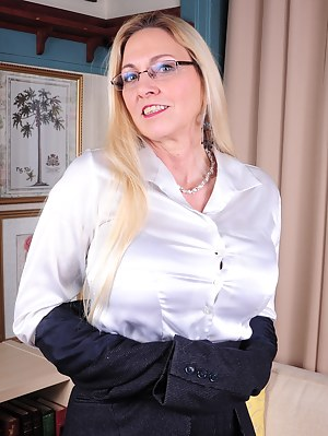 XXX MILF Teacher Galleries