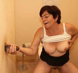 XXX MILF Gloryhole Galleries