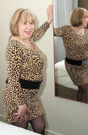XXX MILF Dress Galleries