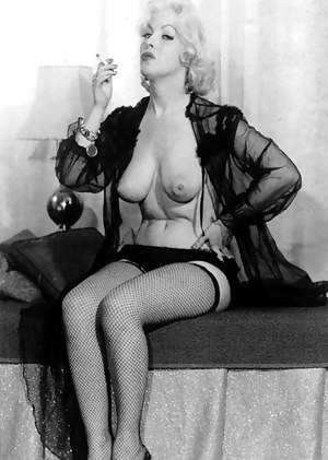 XXX MILF Vintage Galleries