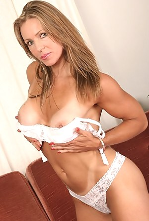 XXX MILF Panties Galleries