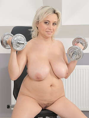 XXX MILF Gym Galleries