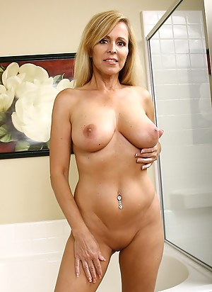 XXX Perfect Tits MILF Galleries