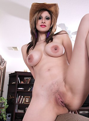 XXX MILF Country Girl Galleries