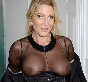 XXX MILF Flashing Tits Galleries