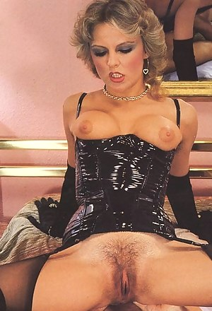 XXX MILF Retro Galleries