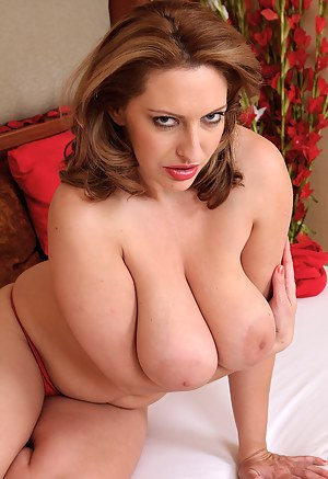 XXX MILF Nipples Galleries