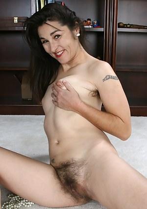 XXX Erotic MILF Galleries