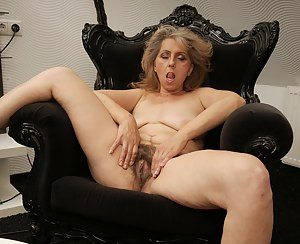 XXX Hairy MILF Galleries