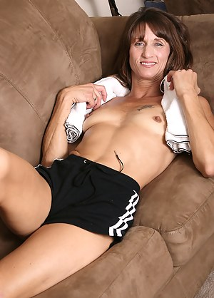XXX Mature MILF Galleries