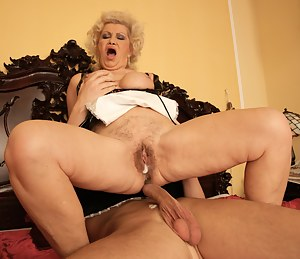XXX MILF Creampie Galleries
