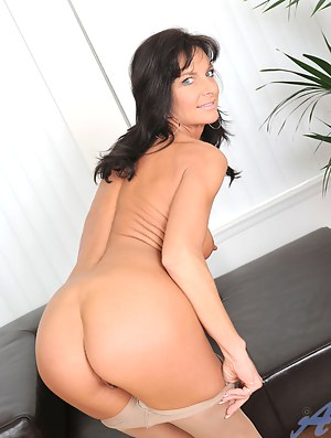 XXX MILF Ass Galleries