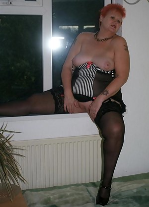 XXX Short Hair MILF Galleries
