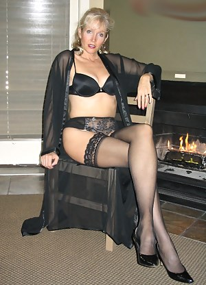 XXX MILF Stockings Galleries