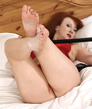 XXX MILF Foot Fetish Galleries
