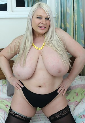 XXX Fat MILF Tits Galleries