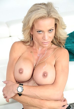 XXX Fake Tits MILF Galleries