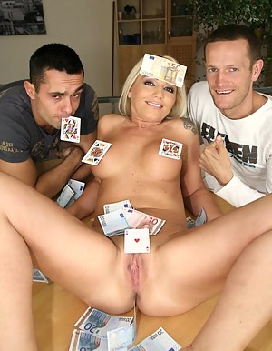 XXX MILF Money Galleries