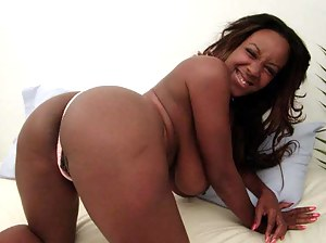 XXX Black MILF Ass Galleries
