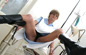 XXX MILF Gyno Galleries